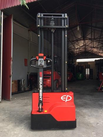 Xe nâng điện tay cao 1,2 tấn EST121